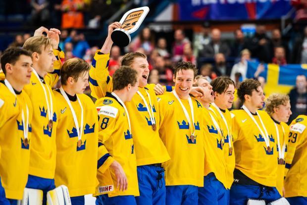 Драма в молодежной сборной Швеции. Канадцы, отсидевшие карантин, возвращаются на лед
