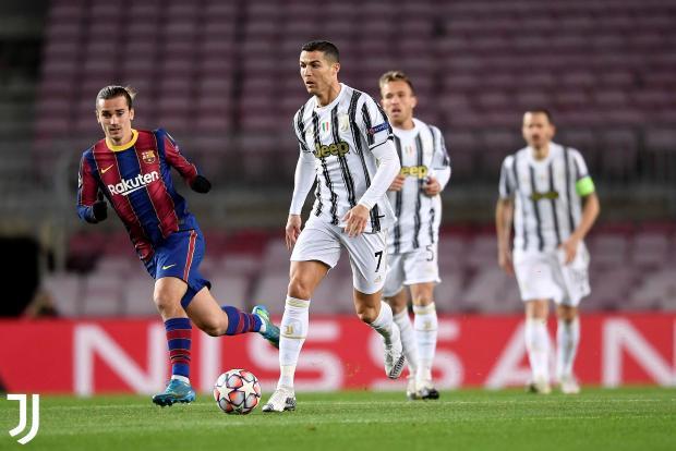 «Ювентус» в гостях разгромил «Барселону» и вышел в плей-офф Лиги чемпионов с первого места в группе