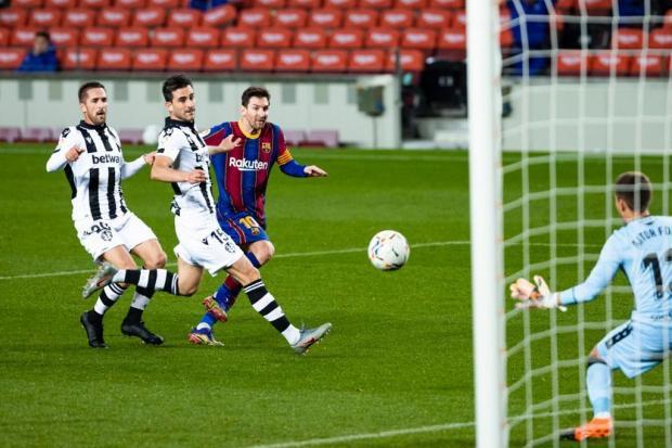 Гол Месси принес «Барселоне» победу над «Леванте»
