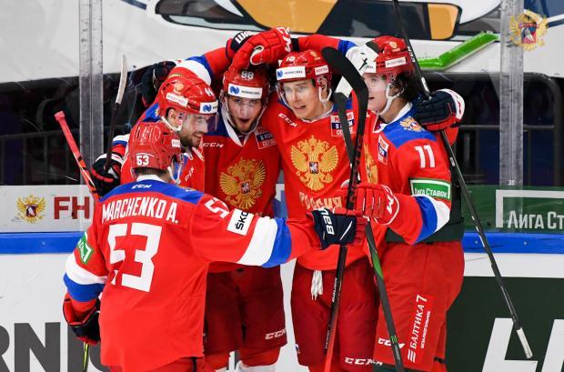У России в Евротуре 5 побед в 5 матчах, Месси догнал Пеле, Клопп обошел Бенитеса
