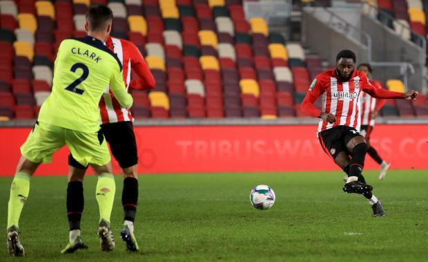 «Брентфорд» впервые в истории клуба вышел в полуфинал Кубка Английской лиги