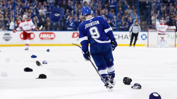 Дело Чичикова живет и побеждает: как в НХЛ торгуют мертвыми душами