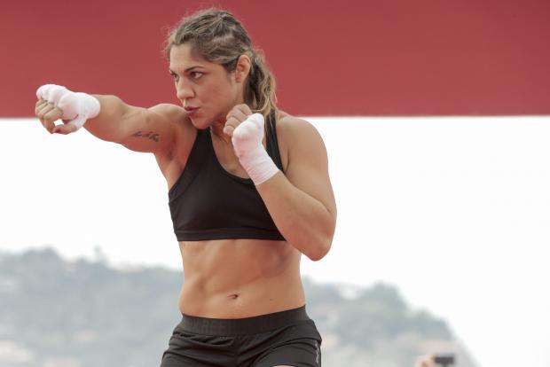 Девушка дня. Бет Коррейя - бразильянка, выступающая в UFC