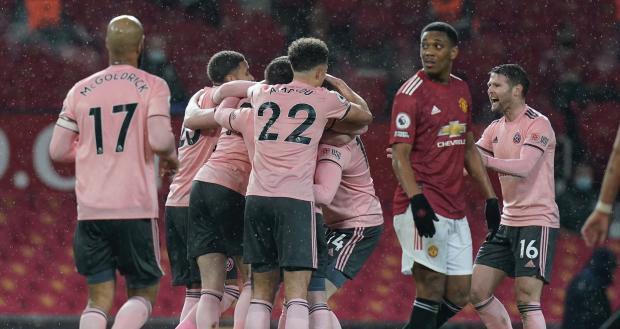 «Манчестер Юнайтед» дома проиграл «Шеффилд Юнайтед», занимающему последнее место в АПЛ