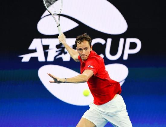 Восьмая пошла! Медведев снова обыграл соперника из топ-10