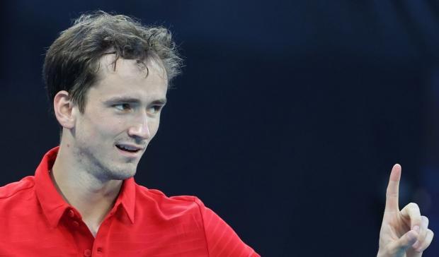 Медведев обыграл японца Нисикори и вывел сборную России в полуфинал ATP Cup