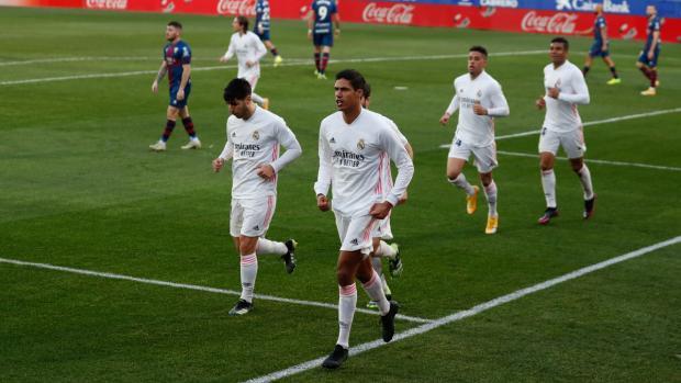 Дубль Варана принес «Реалу» волевую победу над «Уэской»