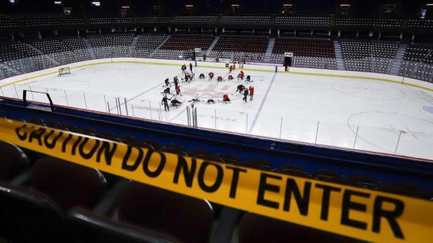 В НХЛ стало как в КХЛ. Заокеанская лига может остановить сезон или сократить регулярку