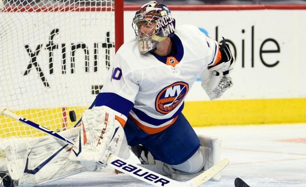 Малкин забил, а Варламов победил. Российский вратарь выиграл свой 500-й матч в НХЛ