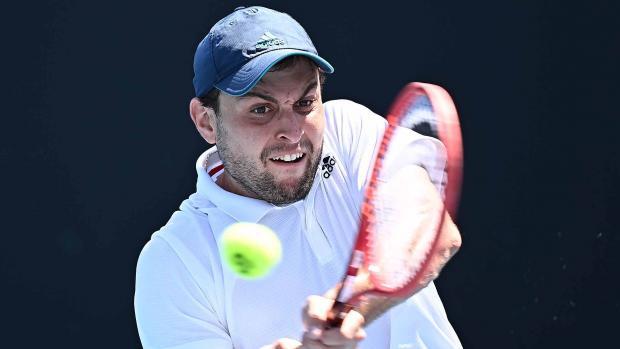 Карацев пробился в четвертый круг Australian Open, обыграв девятую ракетку мира Шварцмана