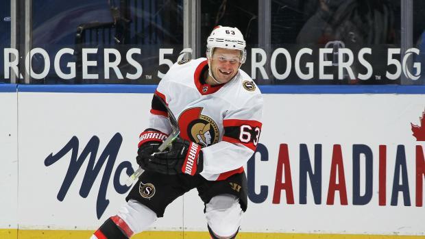 Дадонов признан первой звездой дня в НХЛ
