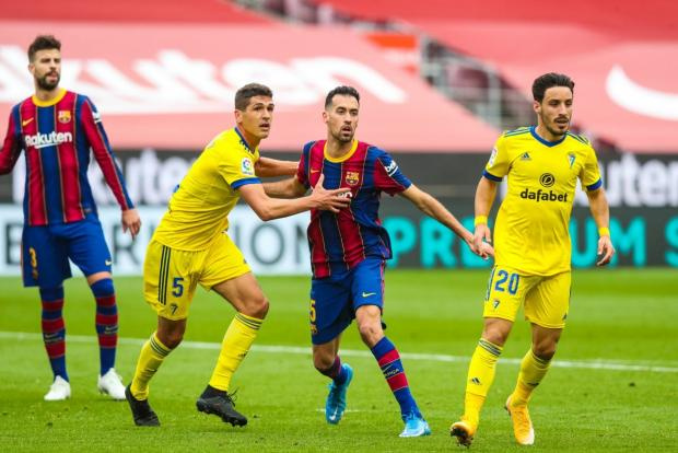 «Барселона» не смогла дома обыграть «Кадис», прервав свою серию из семи побед