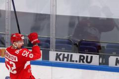 Знарок – в плей-офф, а Яшкин догнал Мальцева. Обзор игрового дня в КХЛ