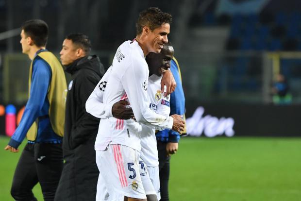 Менди все сделал в одиночку. «Реал» в большинстве обыграл «Аталанту» (видео)