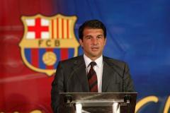 «Лапорта – фаворит, Бартомеу избежит тюрьмы». Завтра пройдут выборы президента «Барселоны»
