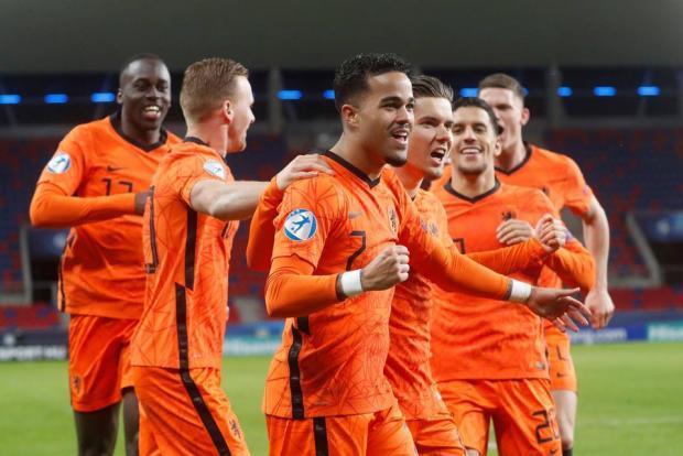 Сборная Нидерландов обыграла Венгрию и вышла в 1/4 молодежного Евро