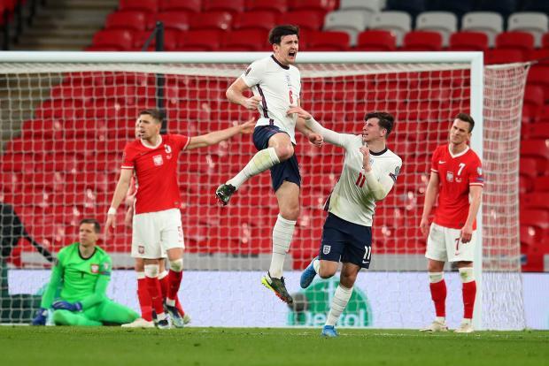 Поздний гол Магуайра принес сборной Англии победу над Польшей