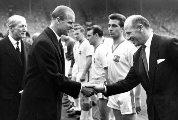 Умер принц Филипп. Он обожал скачки, вручал Кубок мира-1966 Муру, играл в хоккей, поло и крикет