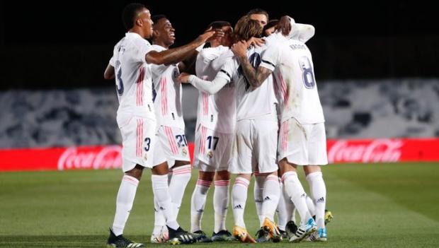 Зидан не перестает удивлять. «Реал» выиграл второй «Эль Класико» в сезоне (видео)