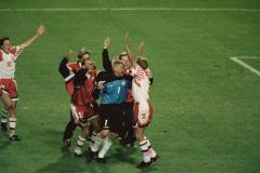 Сборная СНГ без флага и гимна, «пьяные» шотландцы и отпускники датчане. Как Дания выиграла Евро-1992