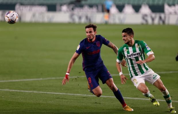 «Атлетико» не смог победить «Бетис» и теперь лишь на одно очко опережает «Реал» в борьбе за титул