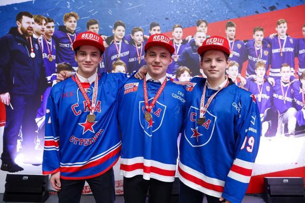 Даешь, молодежь! В Петербурге чествовали лучших молодых хоккеистов страны