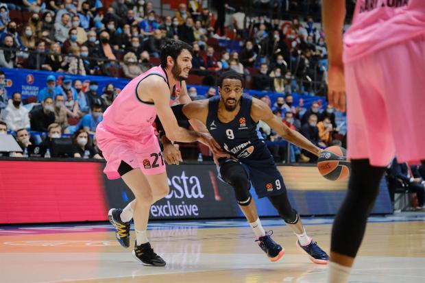 «Зенит» обыграл «Барселону» в четвертьфинале Евролиги и сравнял счет в серии