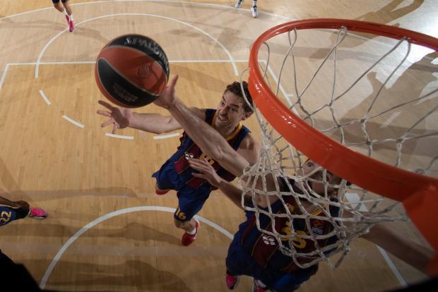 «Зенит» уступил на выезде «Барселоне» в решающем матче 1/4 финала Евролиги (видео)