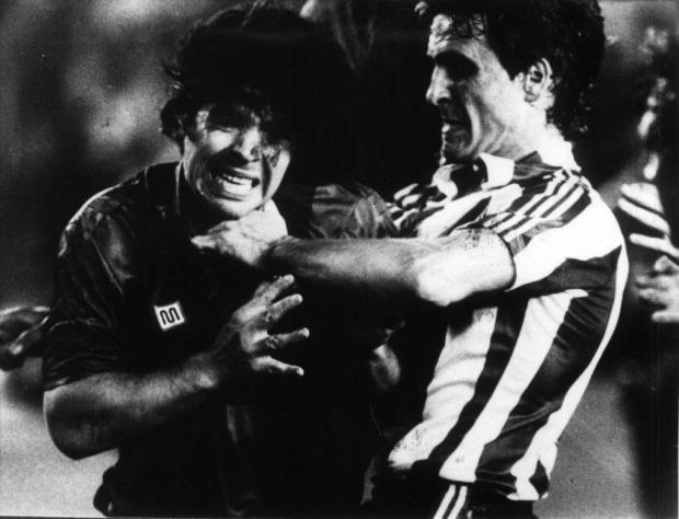 Последний матч Марадоны в «Барсе» превратился в побоище. Сегодня годовщина «Битвы при «Бернабеу»