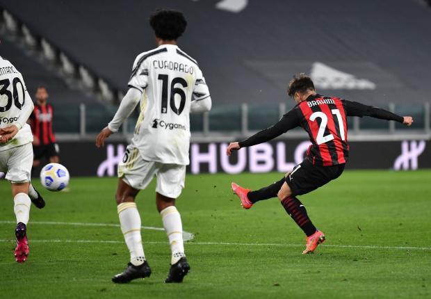 «Милан» разгромил «Ювентус» и вышел на третье место в серии А