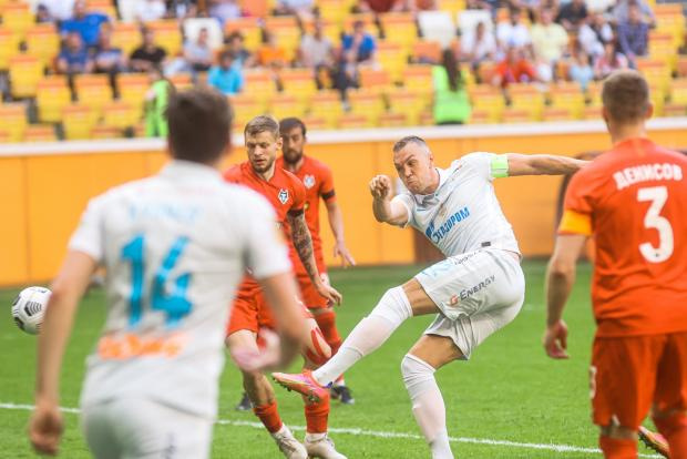 Сергей Семак: В каких-то моментах команда играла на Дзюбу, чтобы он забивал и догнал Азмуна