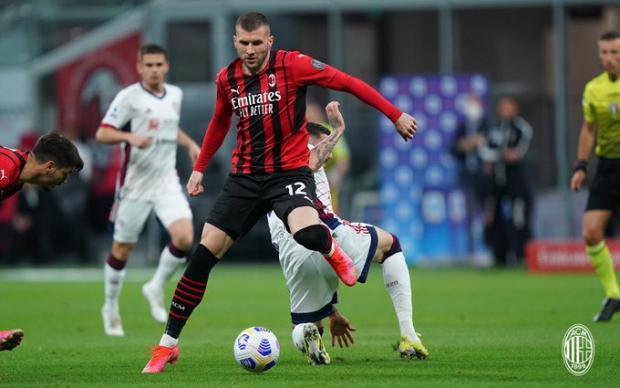 «Милан» не смог дома обыграть «Кальяри», но сохранил место в первой четверке перед последним туром