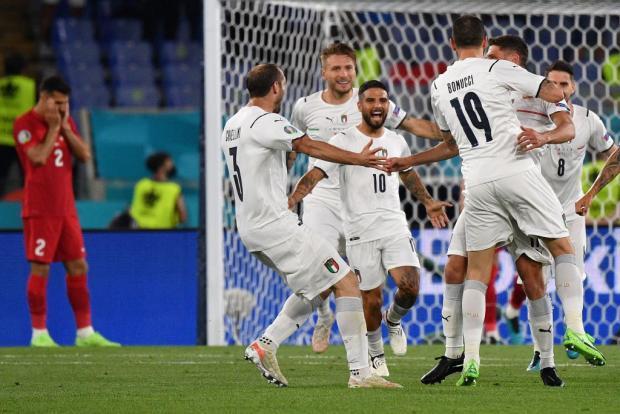 Италия ярко стартовала на Евро-2020, Циципас и Джокович в финале «РГ», а Евгеньев заменил Мостового