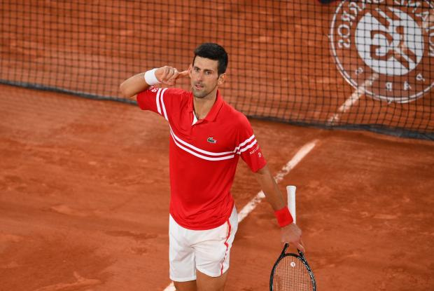 Джокович выиграл «Ролан Гаррос», переиграв в пяти сетах Циципаса