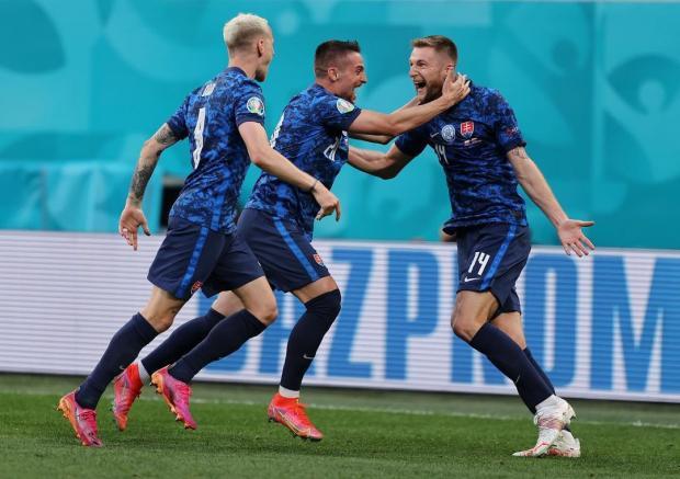 Словакия вырвала победу у Польши в матче Евро-2020