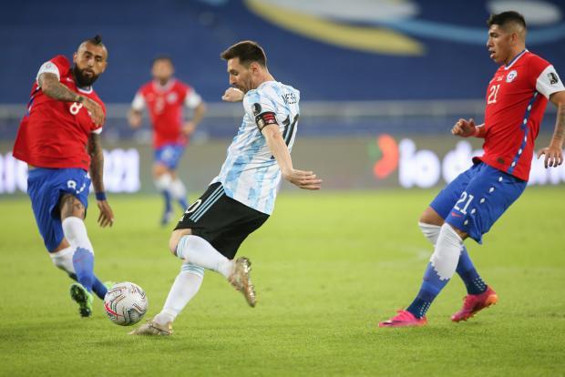Месси обошел Батистуту, бесполезный рекорд Испании, «Вегас» выиграл первый матч у «Монреаля»