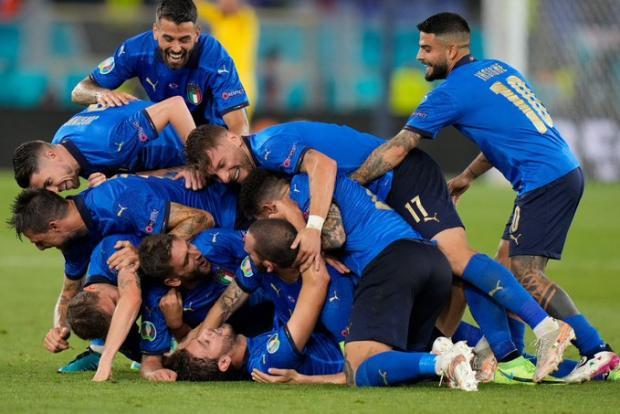 Сборная Италии победила команду Швейцарии и стала первой участницей плей-офф чемпионата Европы