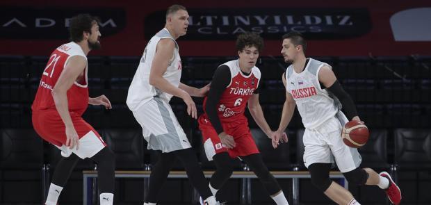 Мужская сборная России проиграла команде Турции в товарищеском матче, у Мозгова 12 очков