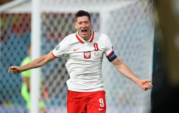 Евро-2020. Левандовски сравнял счет в матче Польша - Испания