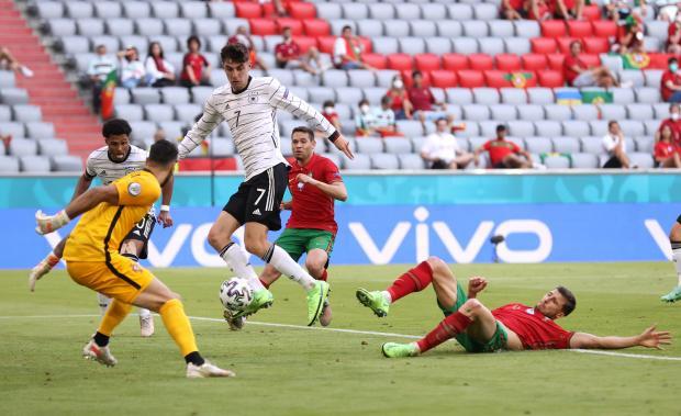 Лучший матч на Евро! Гозенс разделал Роналду, а Германия обыграла Португалию