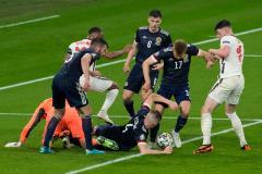 Англия сколь молодая, столь и неубедительная. Команда Саутгейта не смогла забить Шотландии