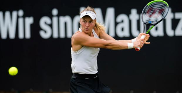 Самсонова стала победительницей турнира в Берлине, обыграв в финале Бенчич