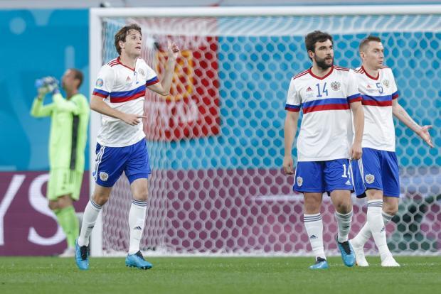 Андрей Чернышов: Знакомые иностранцы спрашивают - почему у России самая слабая сборная на Евро?
