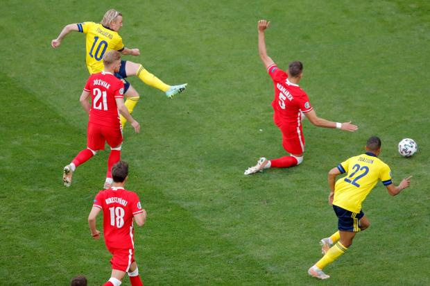Швеция - Польша: Форсберг открыл счет на второй минуте матча