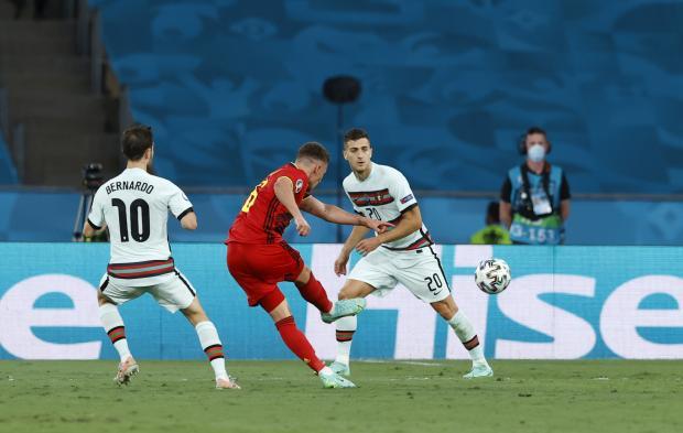 Бельгия - Португалия: После первого тайма бельгийцы выигрывают благодаря голу Торгана Азара