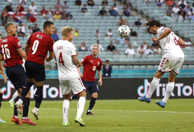 Евро-2020. Датчане открыли счет в матче с Чехией уже на пятой минуте