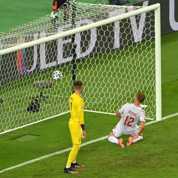 Евро-2020. После первого тайма Дания обыгрывает Чехию благодаря голам Дилейни и Дольберга