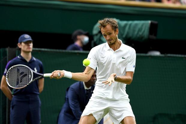 Не видать Медведеву Федерера. Доигрывание матча с Хуркачем он сдал за полчаса