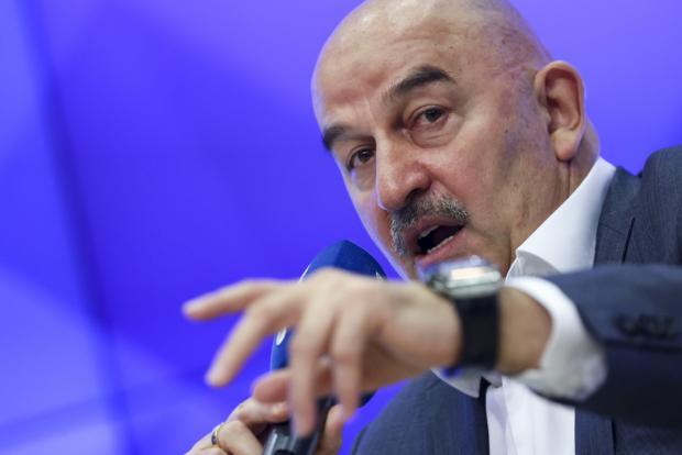 СМИ: Черчесов вылетел в Москву на переговоры по потенциальному трудоустройству