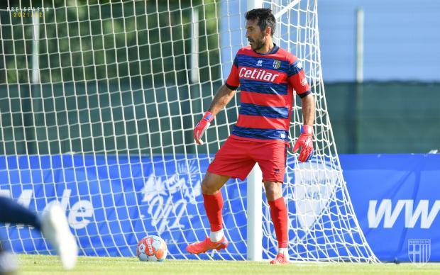 Буффон провел первый матч за «Парму» после возвращения в клуб